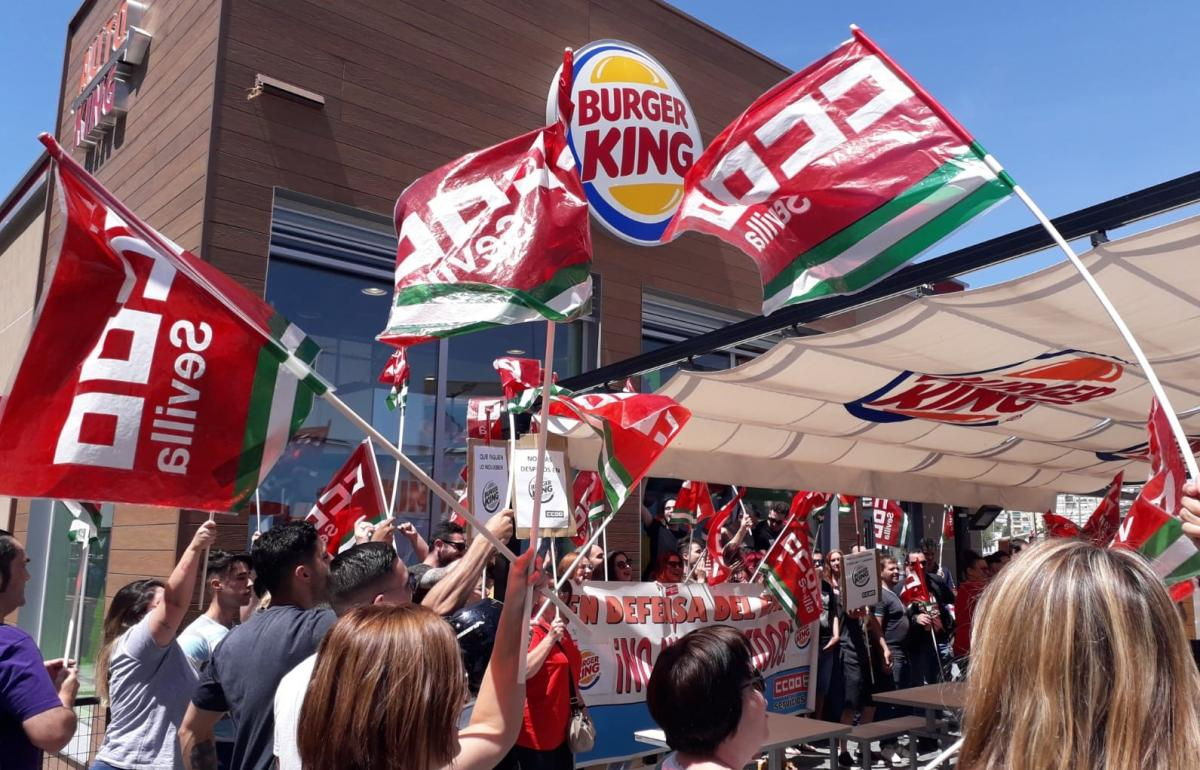 Protesta ante Burger King.